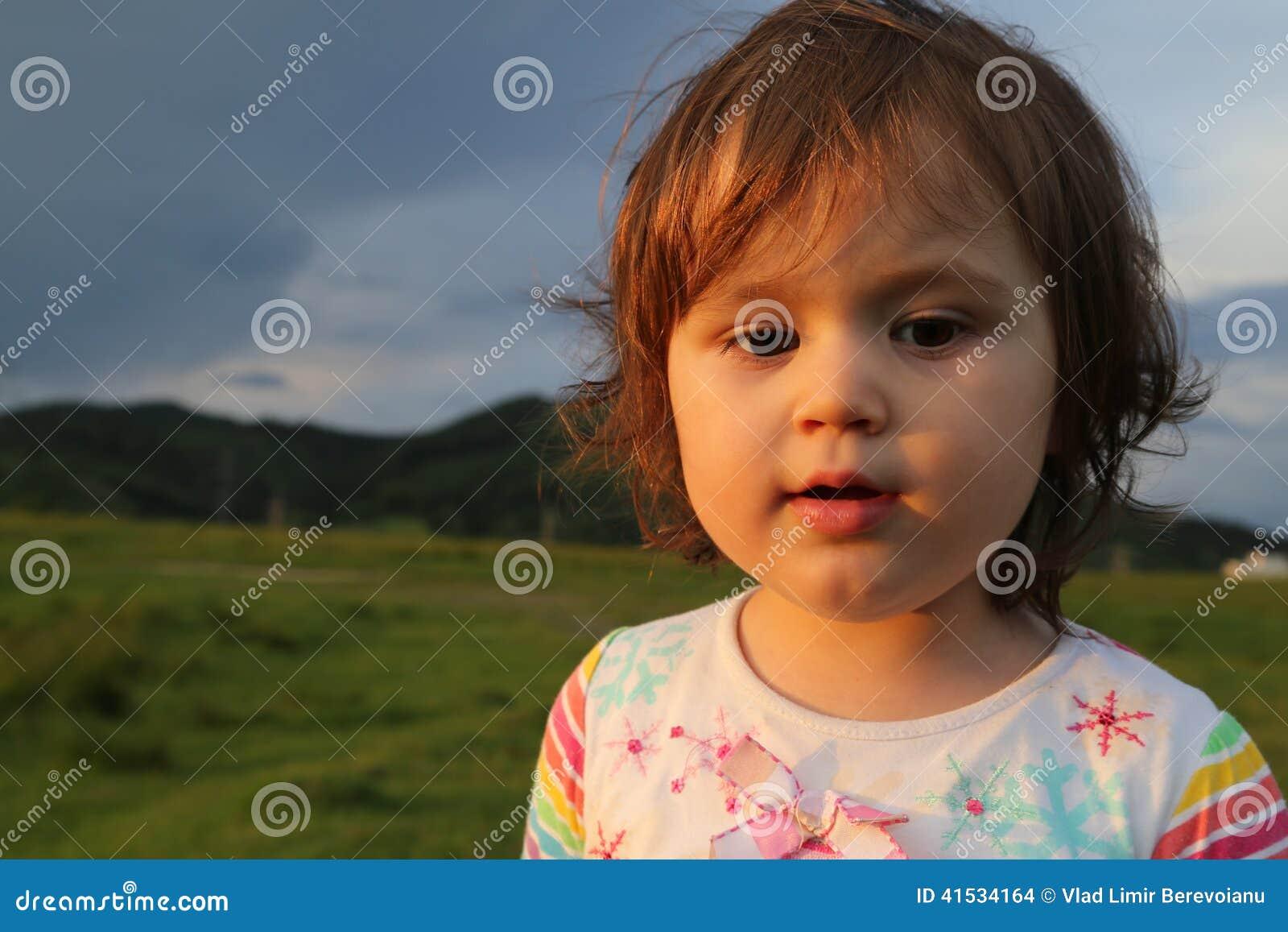 tailandés pequeña niña
