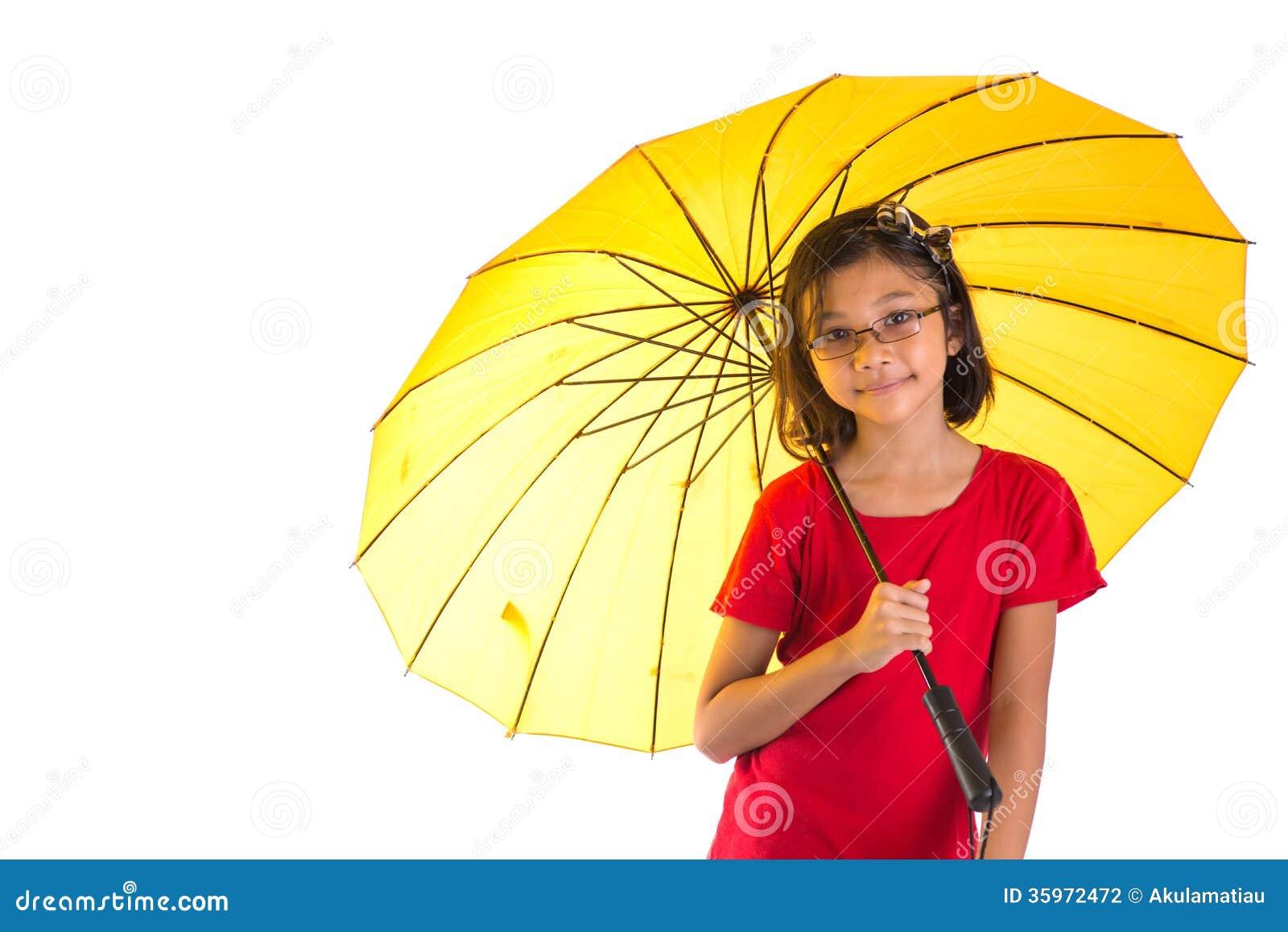 Niña y paraguas amarillo V