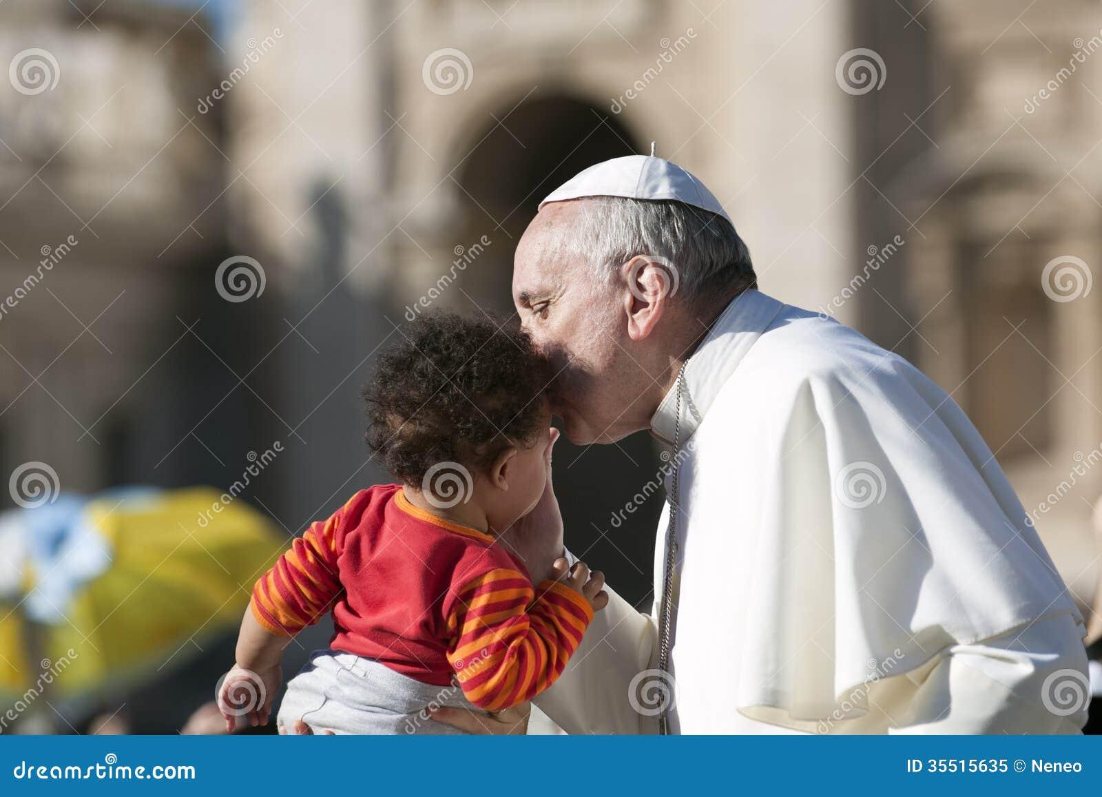Niño del beso de papa Francisco