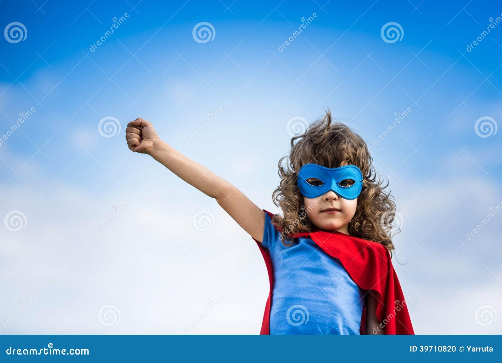 Niño del super héroe
