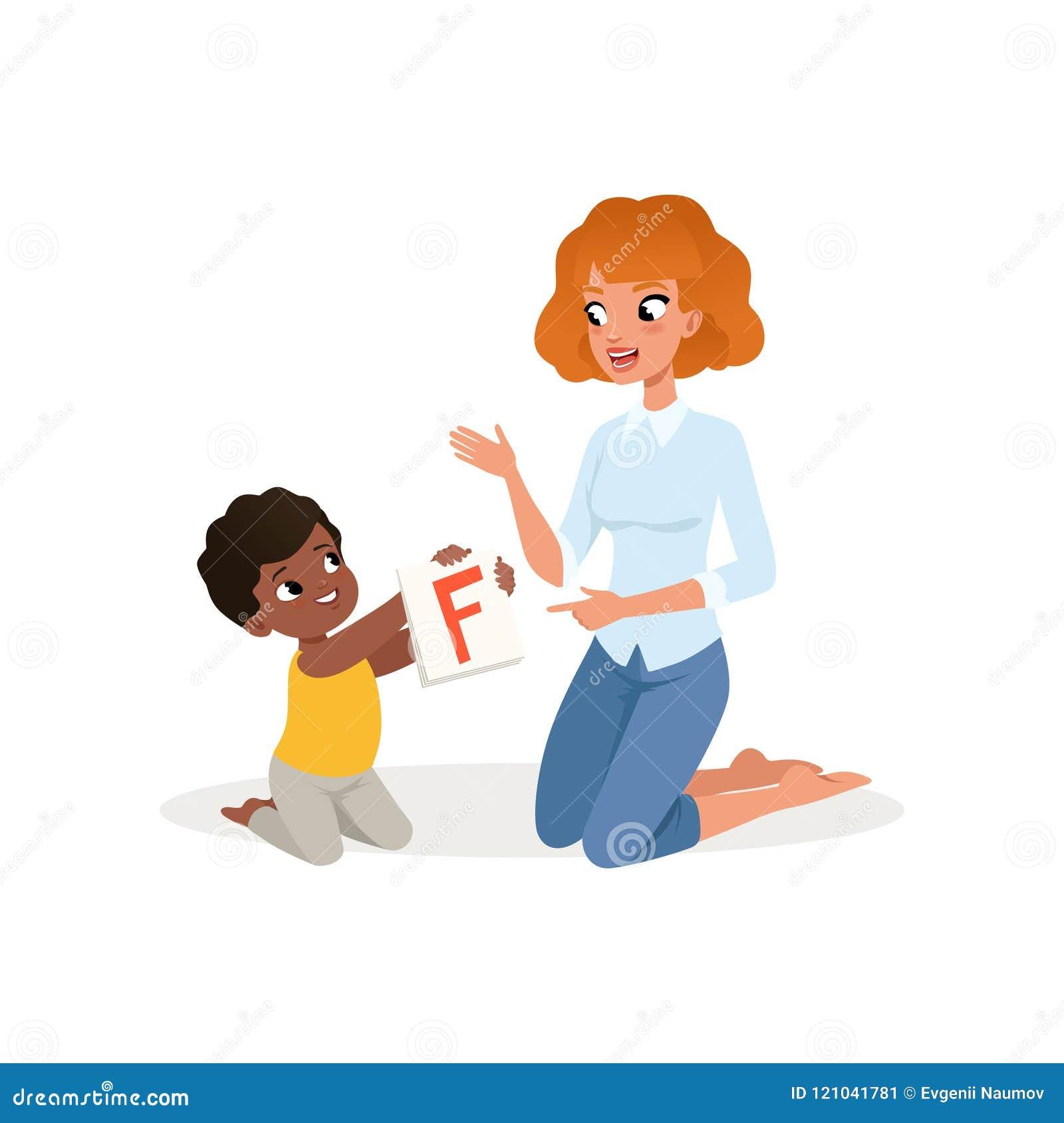 Niño que muestra la tarjeta flash con la letra F a su profesor Centro del desarrollo infantil y de educación Diseño plano del vec