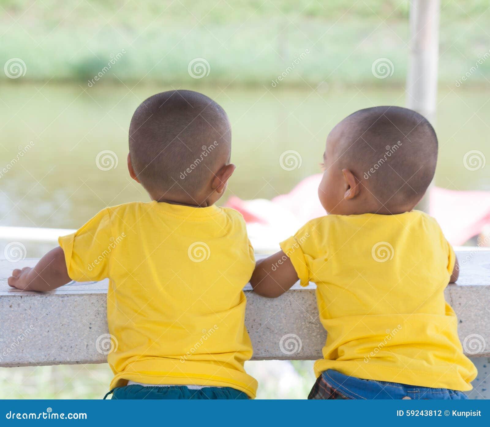 Download Niños foto de archivo. Imagen de poco, muchacho, inocente - 59243812