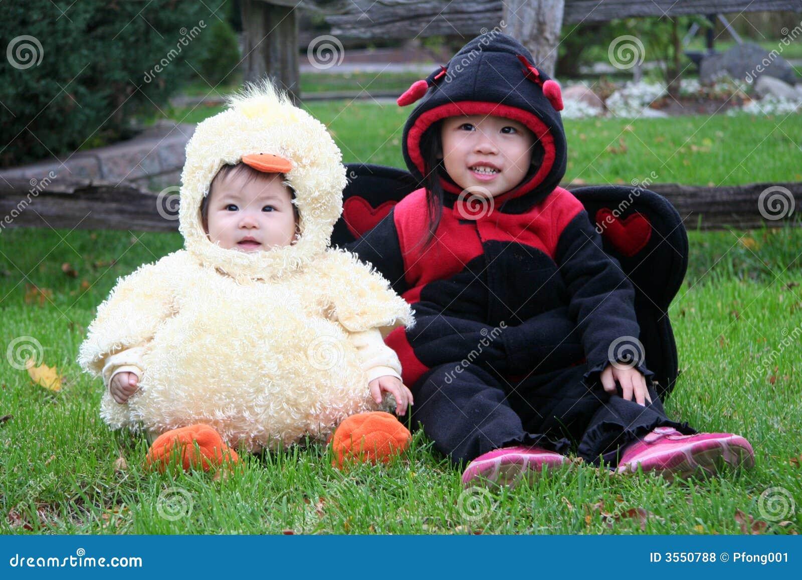 Niños de Víspera de Todos los Santos