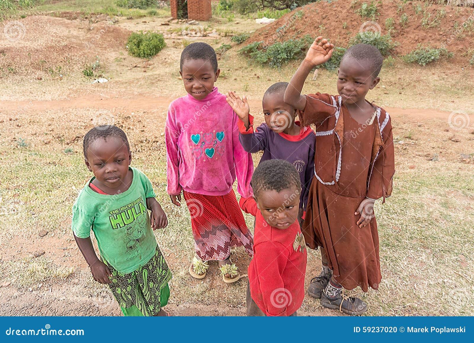 Download Niños en Tanzania imagen editorial. Imagen de cierre - 59237020