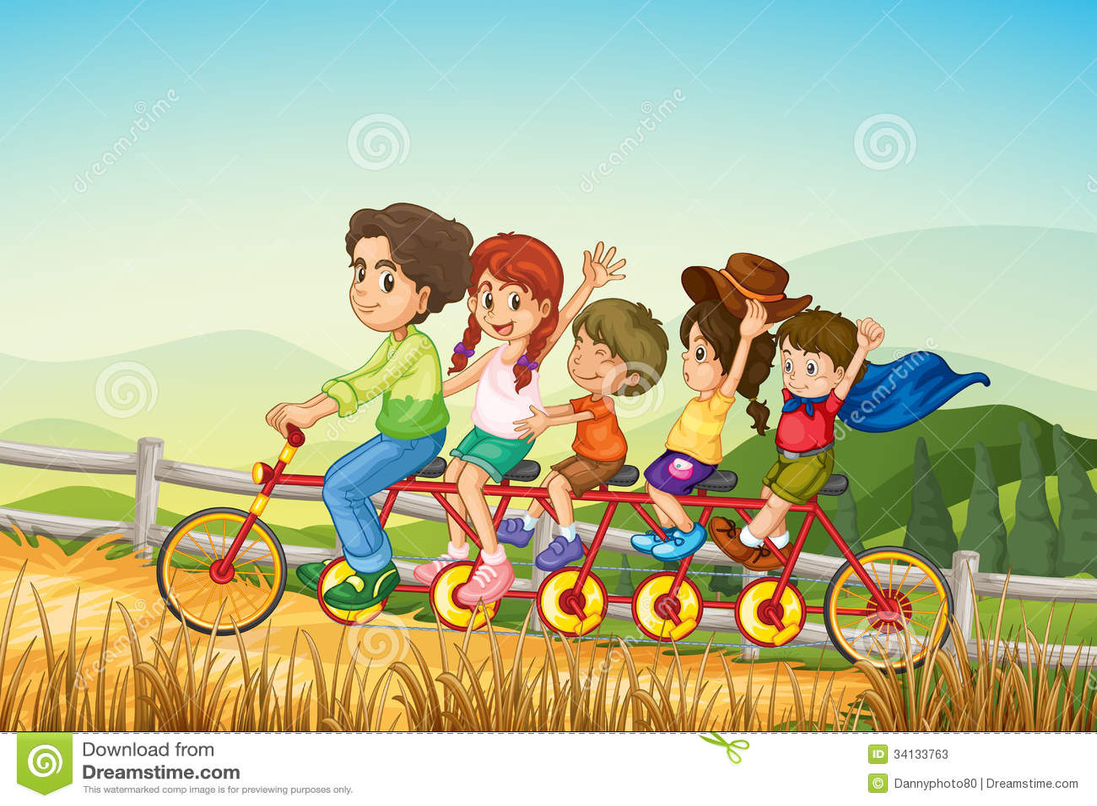 Niña Feliz Andar En Bicicleta: Niños Felices Que Montan La Bicicleta En La Granja Fotos