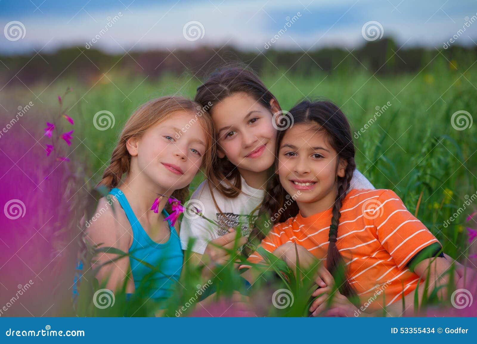 Niños felices sanos