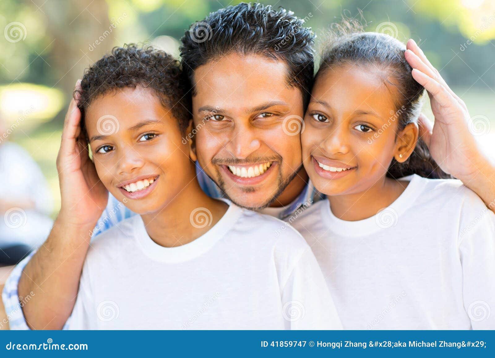 Niños indios del padre