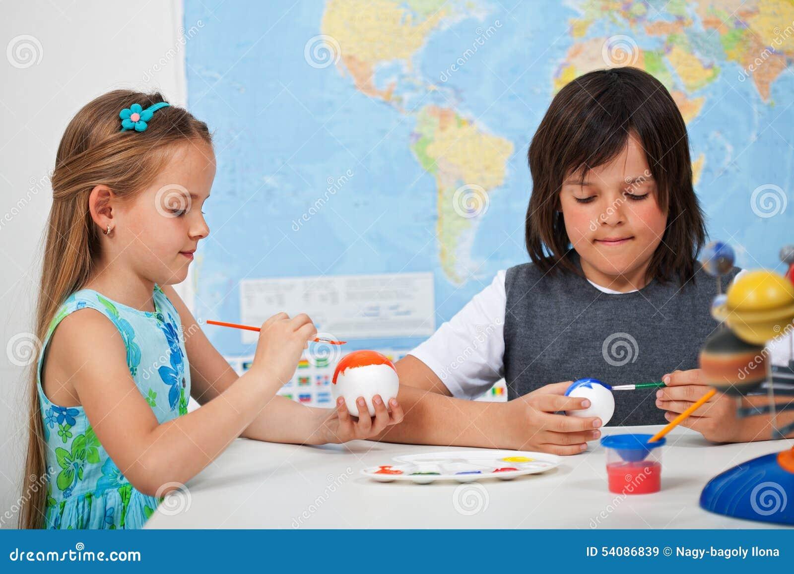 Niños Que Pintan Los Planetas - Para Un Modelo De Escala De La ...
