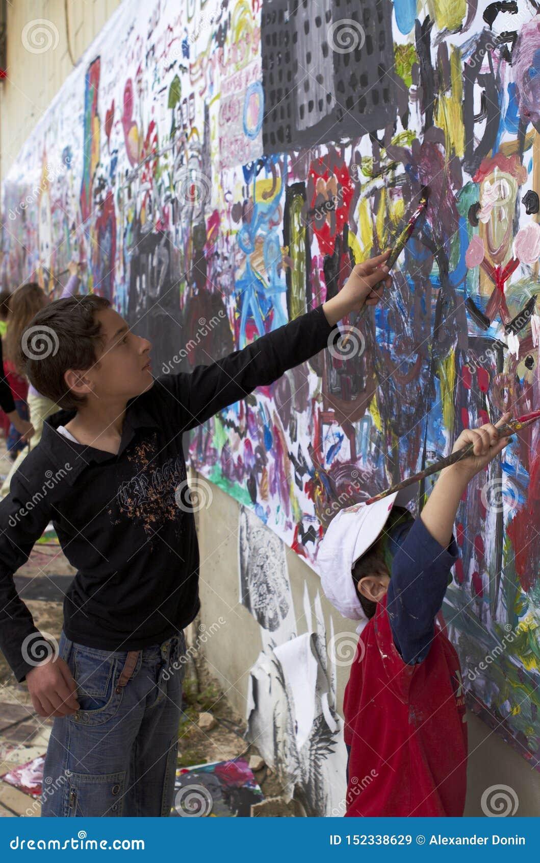 Niños y el arte