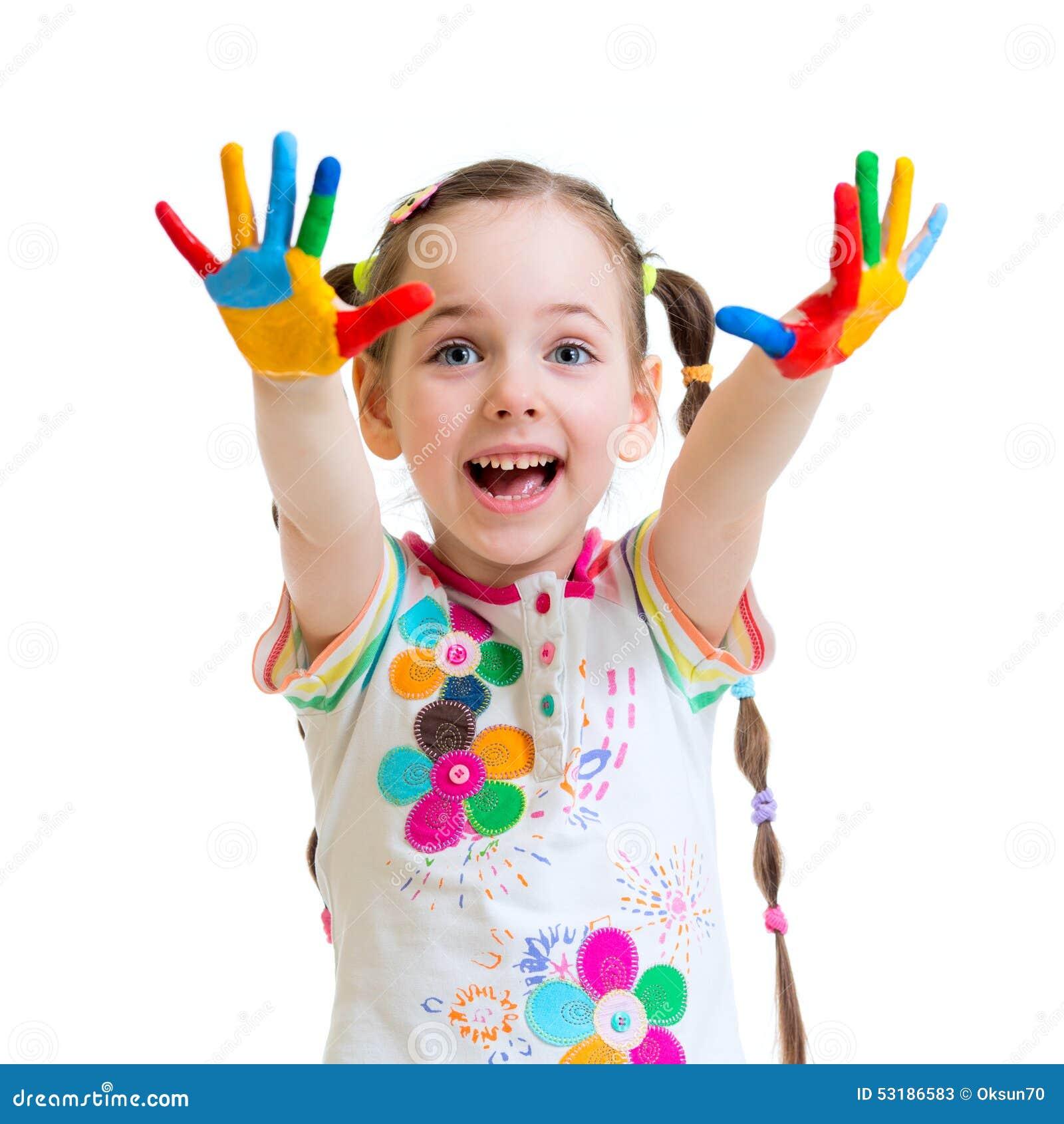 Ni a alegre con las manos en pintura en blanco foto de - Con las manos en tu casa ...