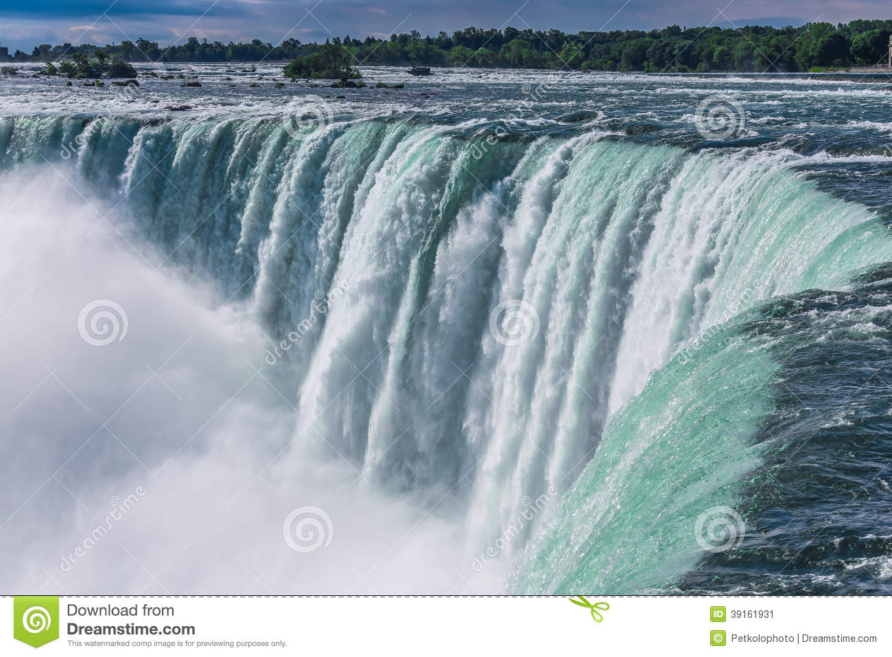 Niagara Falls From The Canadian Side Stock Image Image Of Green Mist 39161931