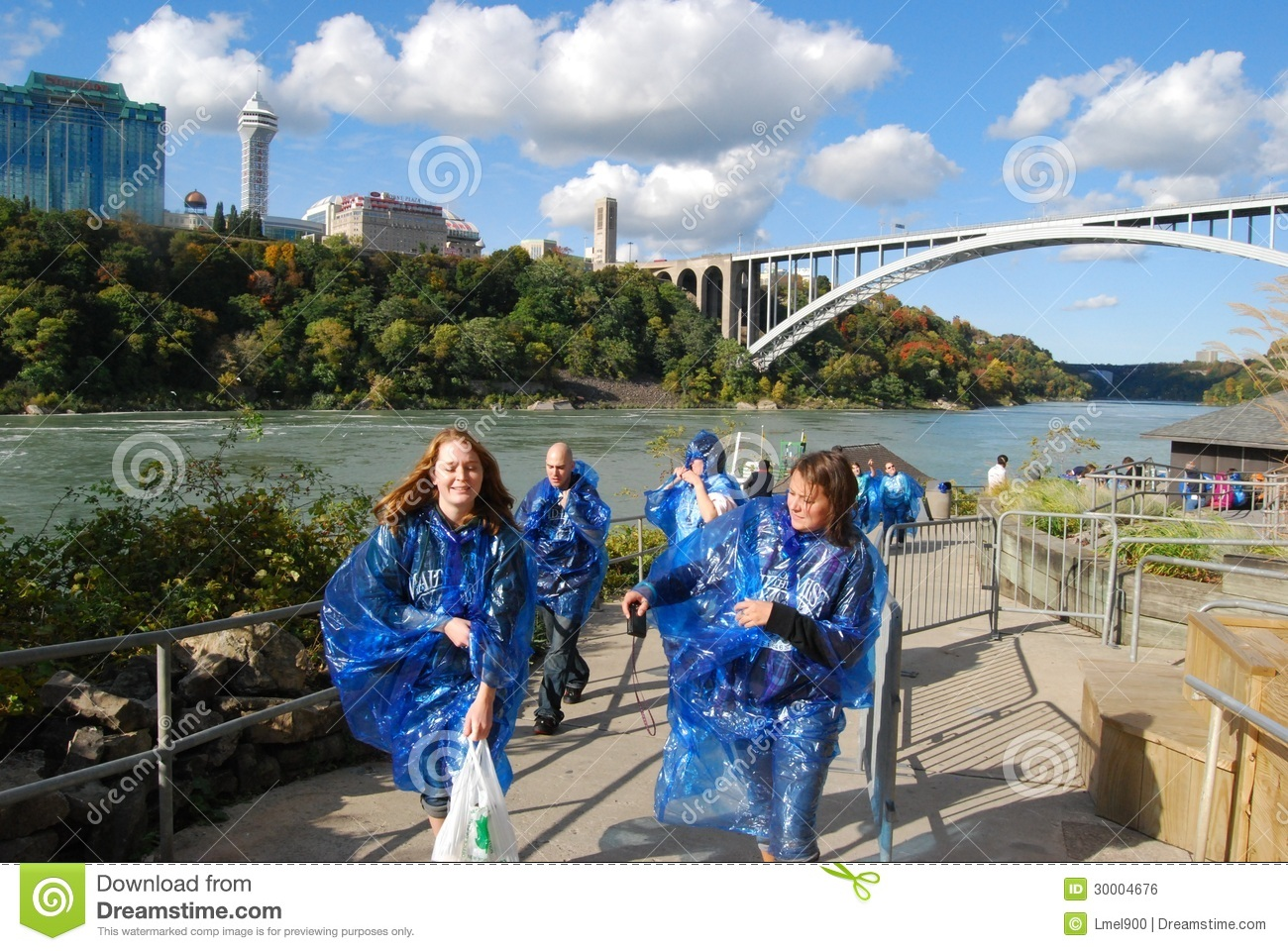 Maid Of The Mist Tour Riders At Niagara Falls Editorial