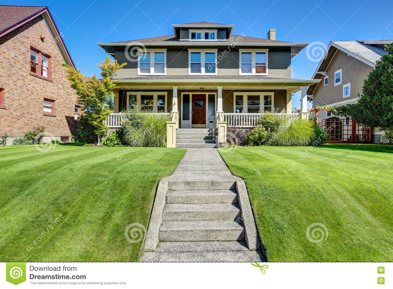 Covered front porch craftsman style home royalty free stock image - Royalty Free Stock Photo American Appeal Craftsman Curb Front House Northwest Style