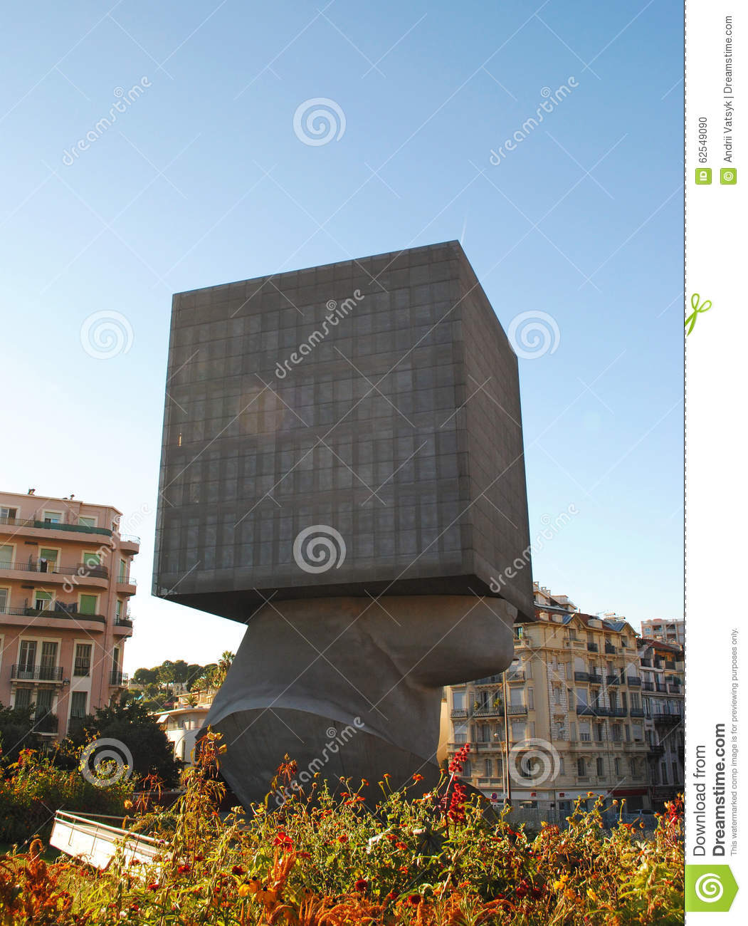 Nice France August 19 Square Head Modern Sculpture Stock Photo