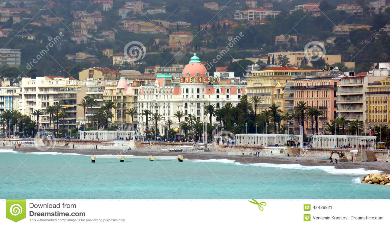 Nice france french riviera with view on hotel negresco for Luxury hotels in nice