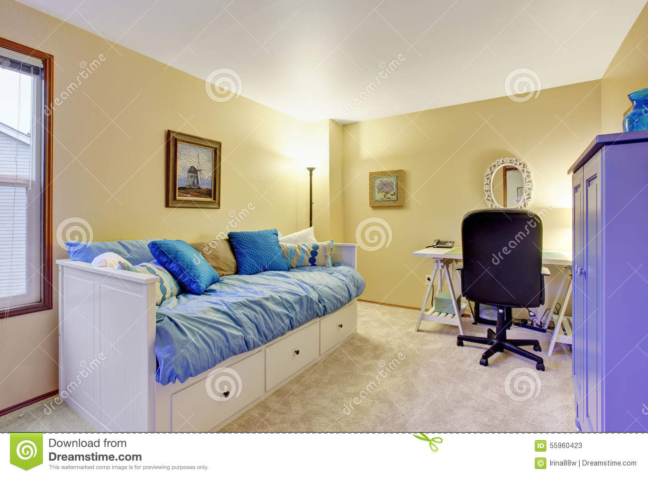 Swell Nice Office Room With Desk And Couch Stock Image Image Of Interior Design Ideas Gentotryabchikinfo