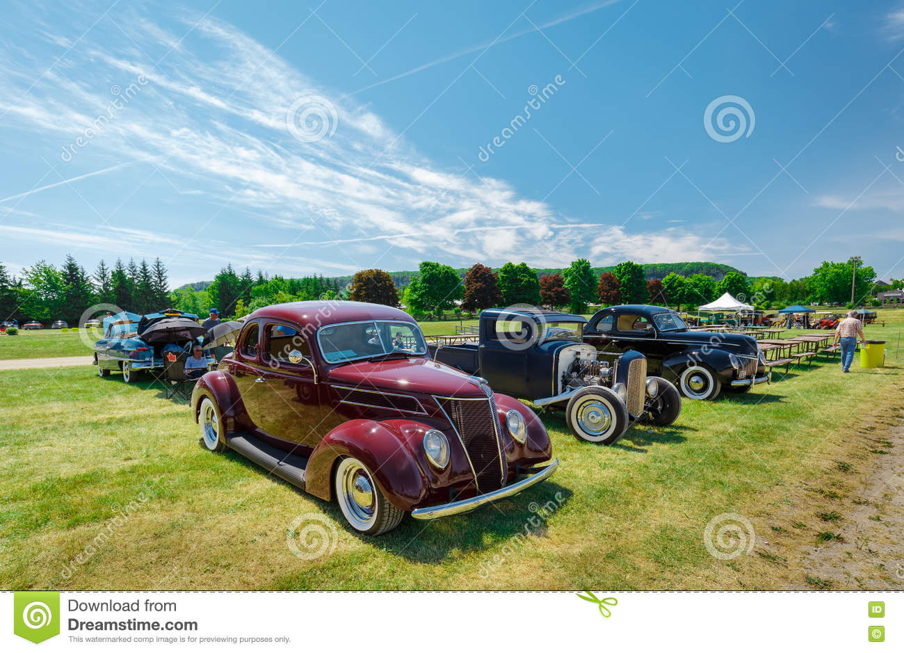 Nice Side View Of Old Vintage Classic Cars Editorial Image