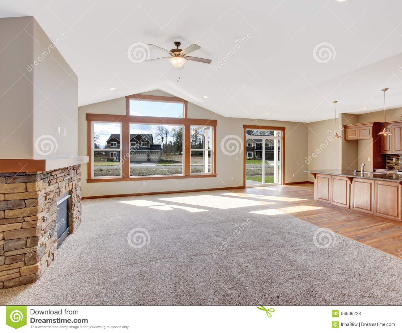 Nice Unfurnished Living Room With Carpet Stock Photo