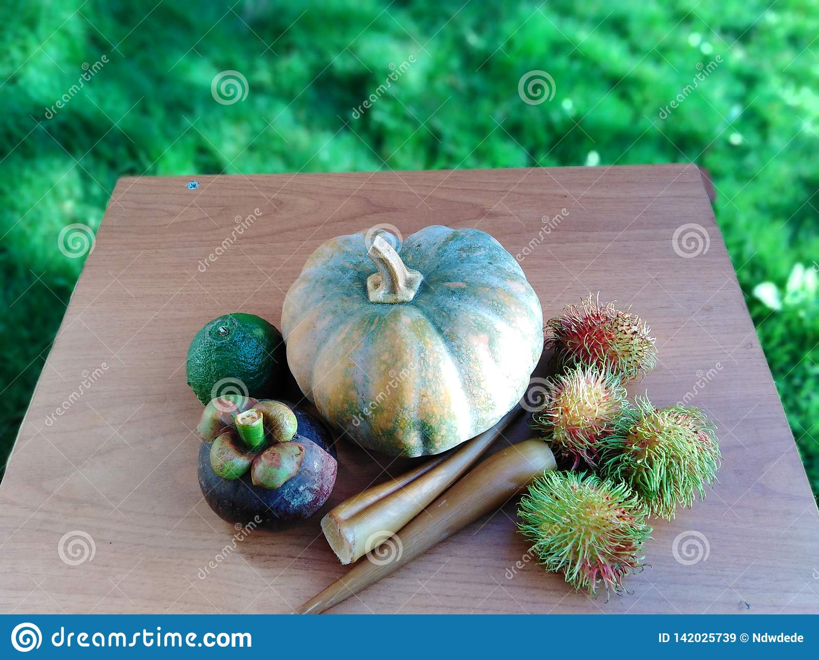 Nicely arranged Fruits and vegetables on table