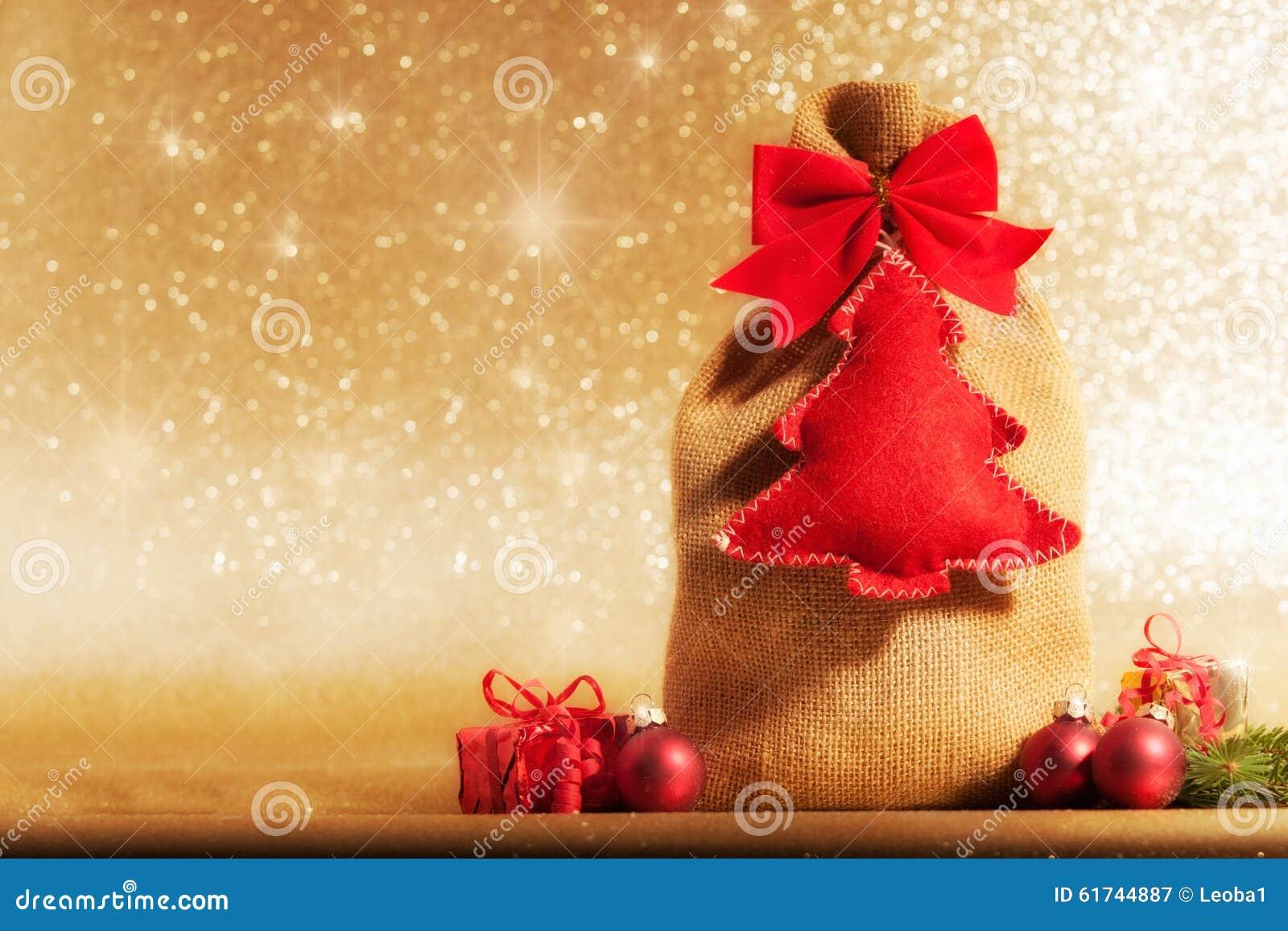 Nicholas/Weihnachten Vor Goldenem Hintergrund Stockbild - Bild von ...