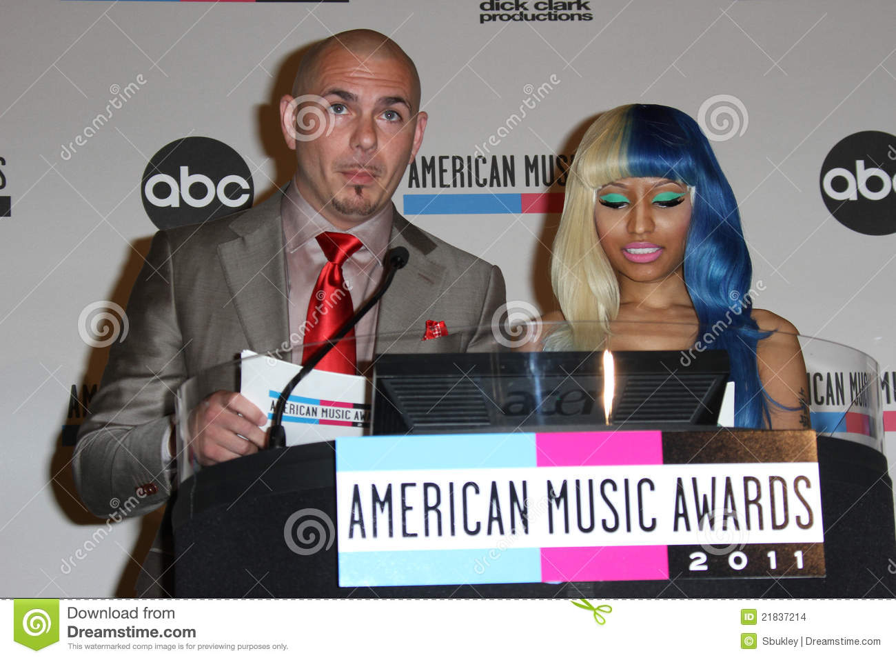 Nicki Minaj, Pitbull