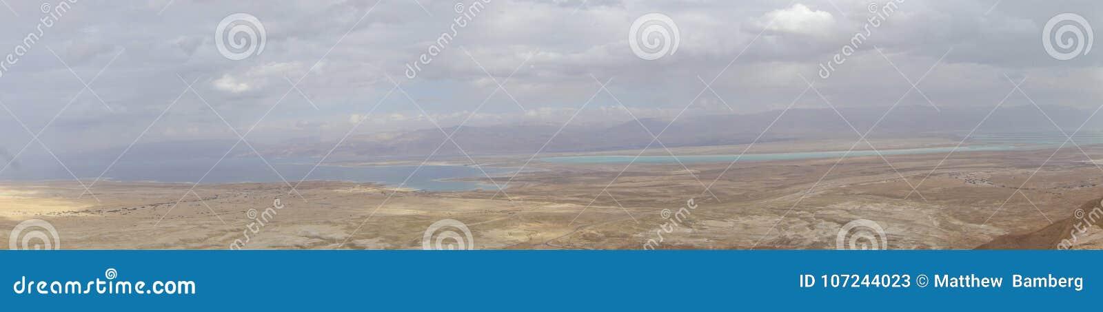 Nieżywy morze Podczas zimy od Masada szczytu