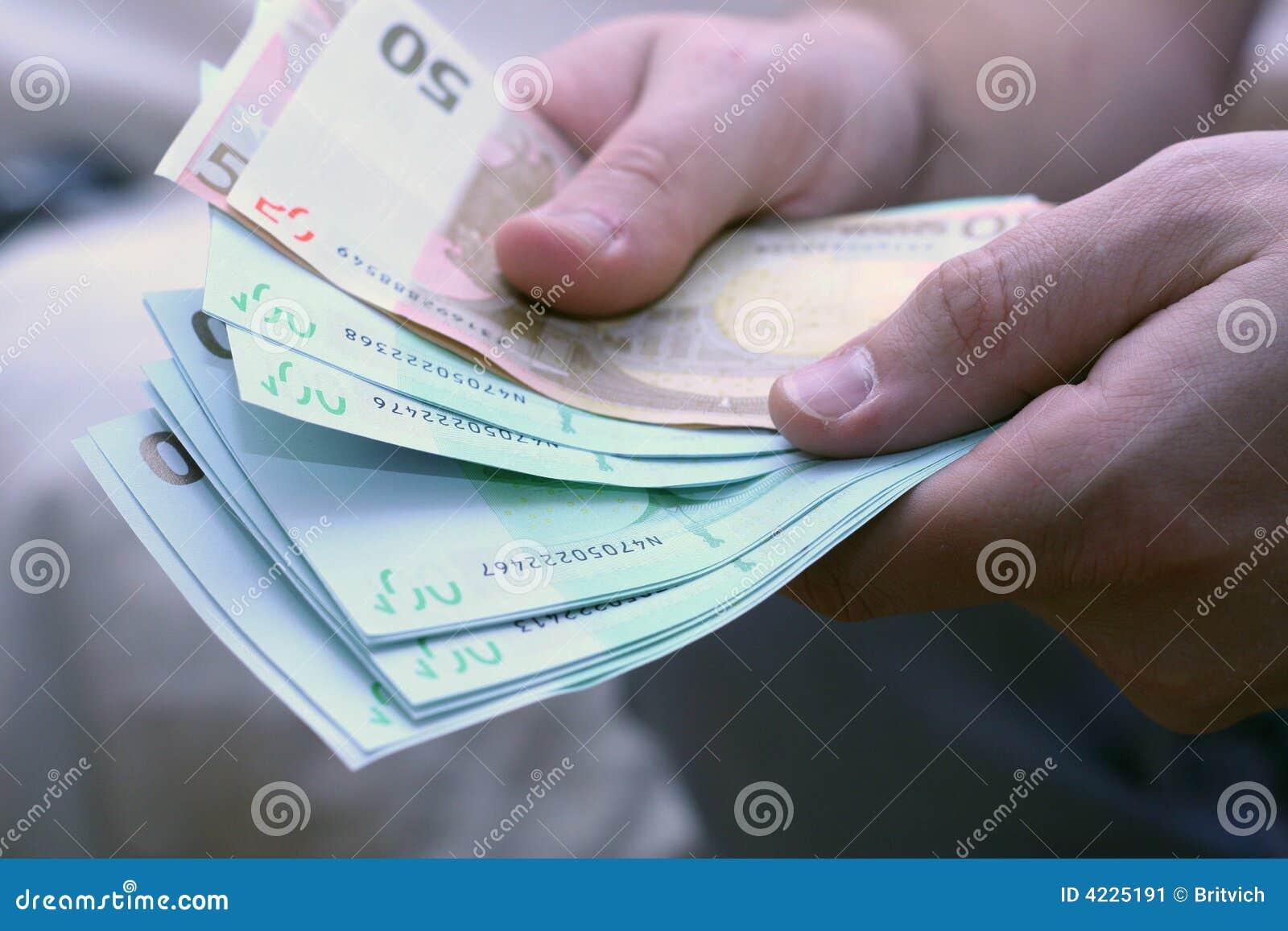 Nie licząc euro