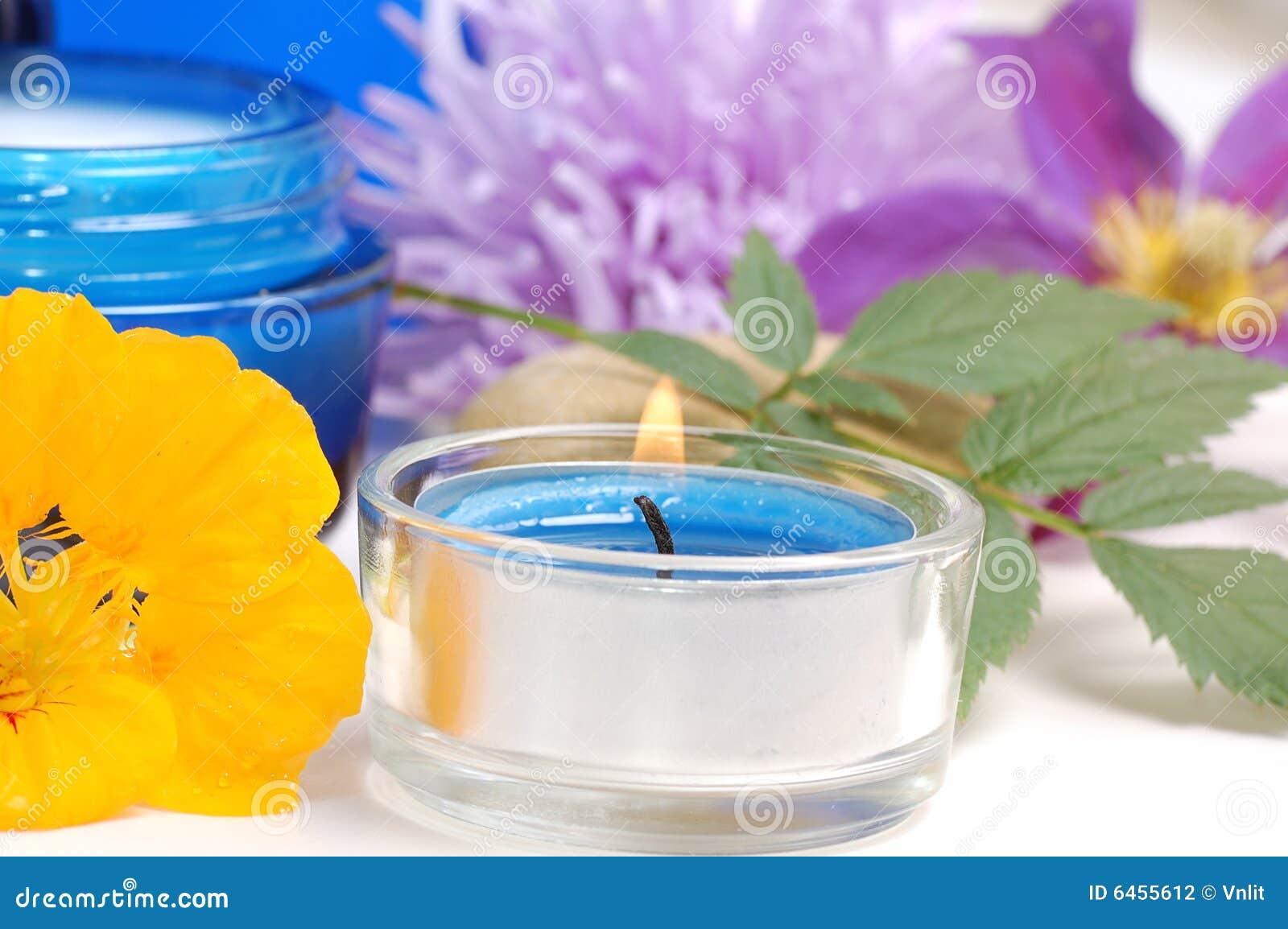 Niebieska kosmetyczna śmietany