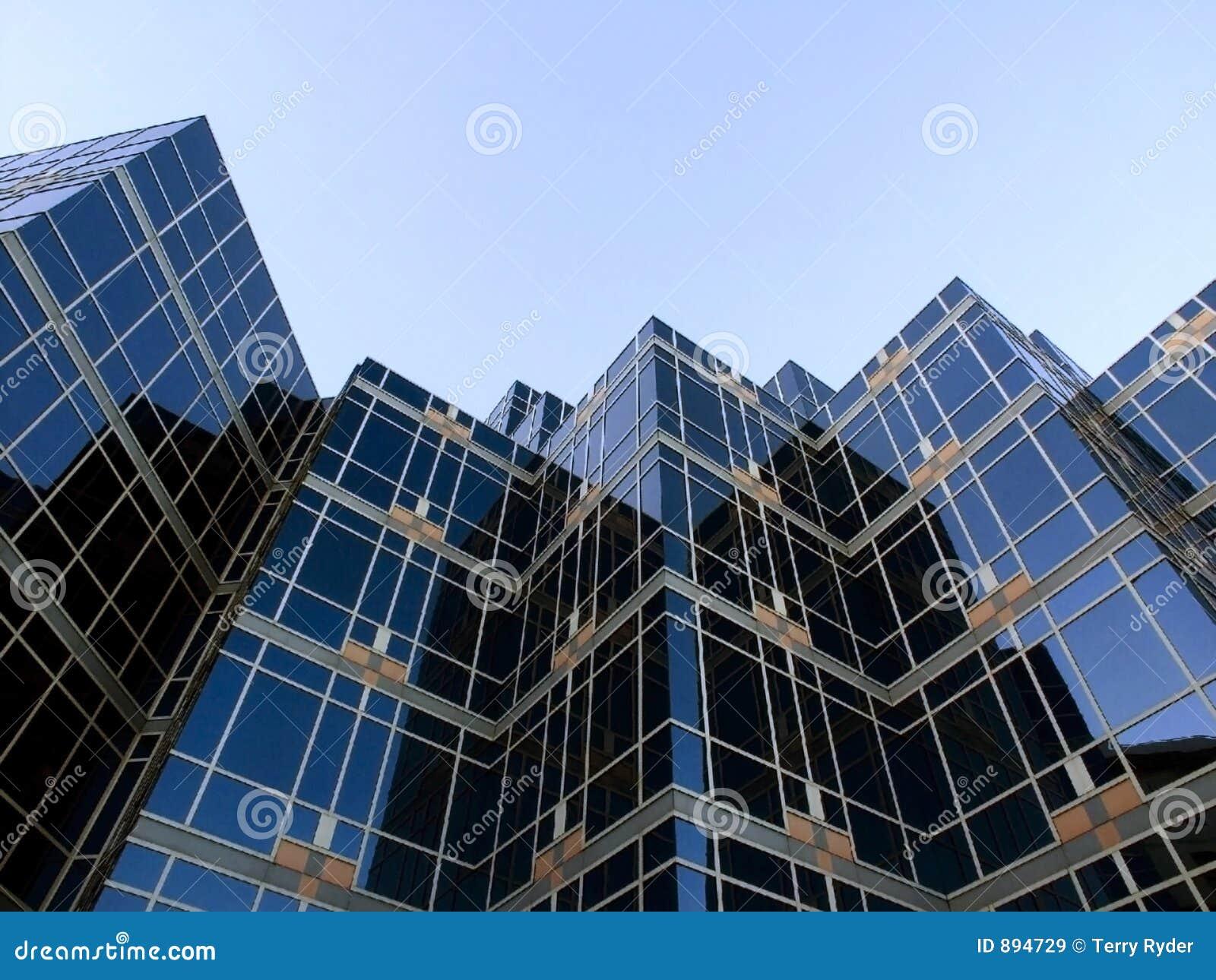 Niebieski buduje szkła