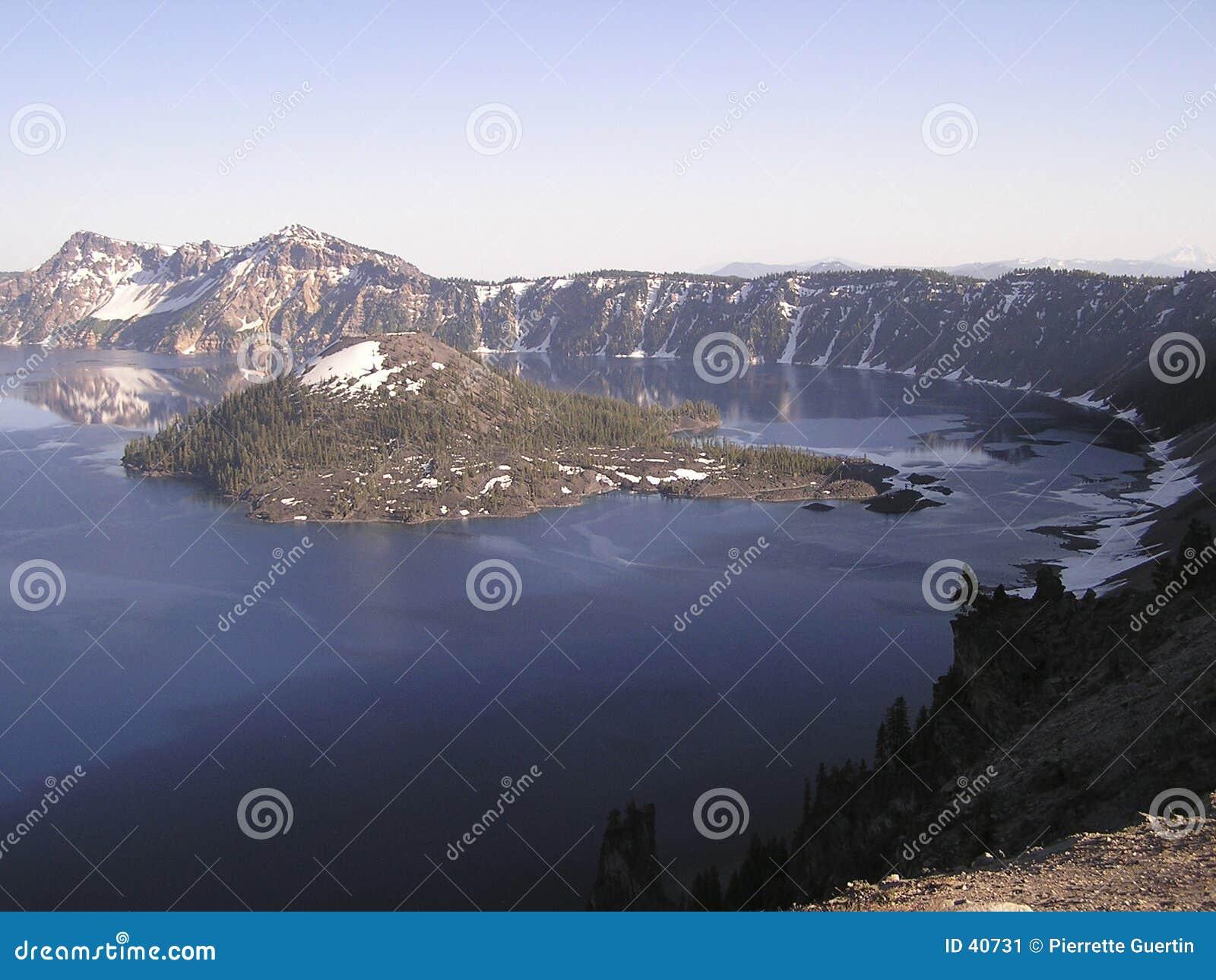 Niebieski krateru jeziora
