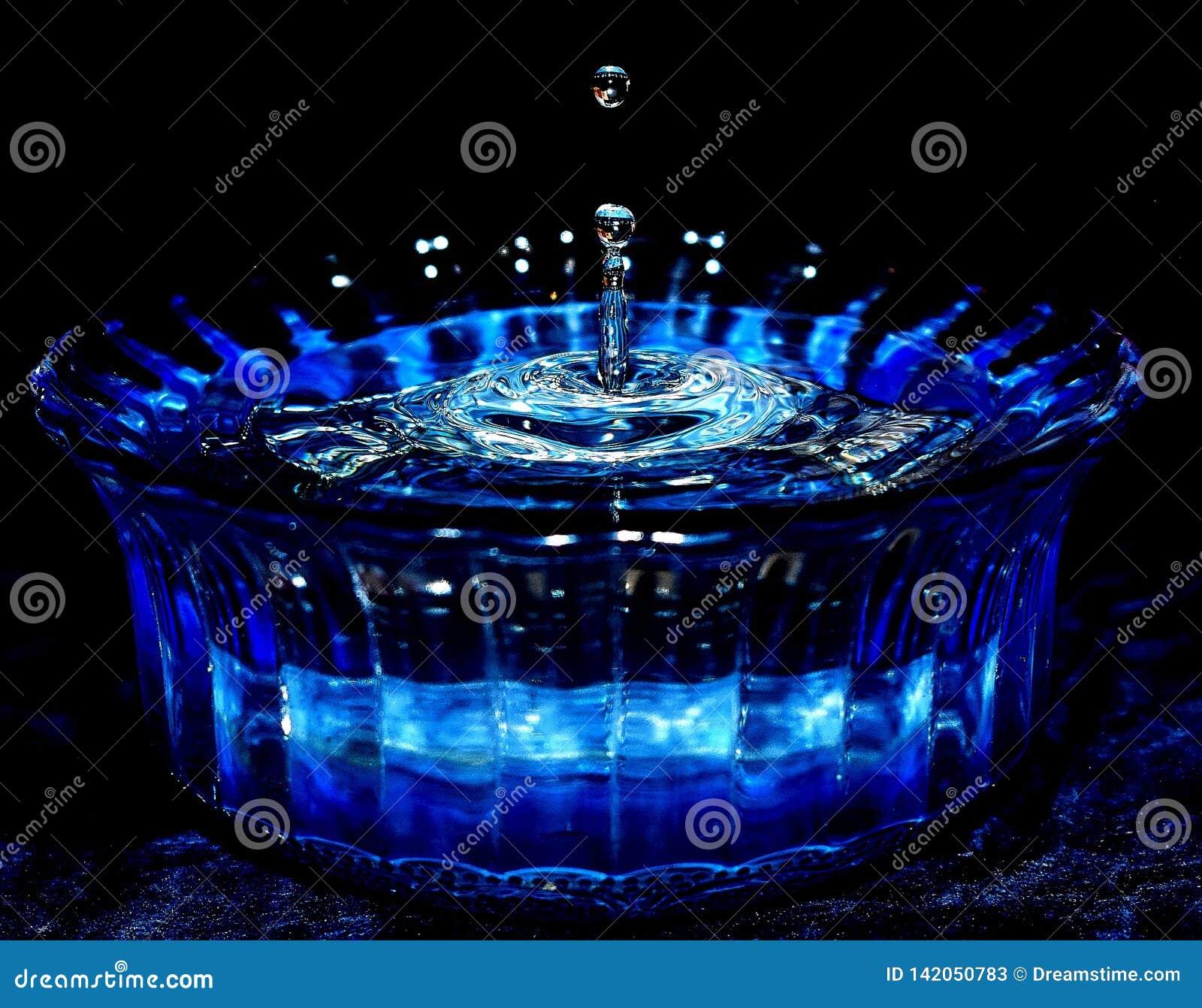 Niebieski kroplę wody