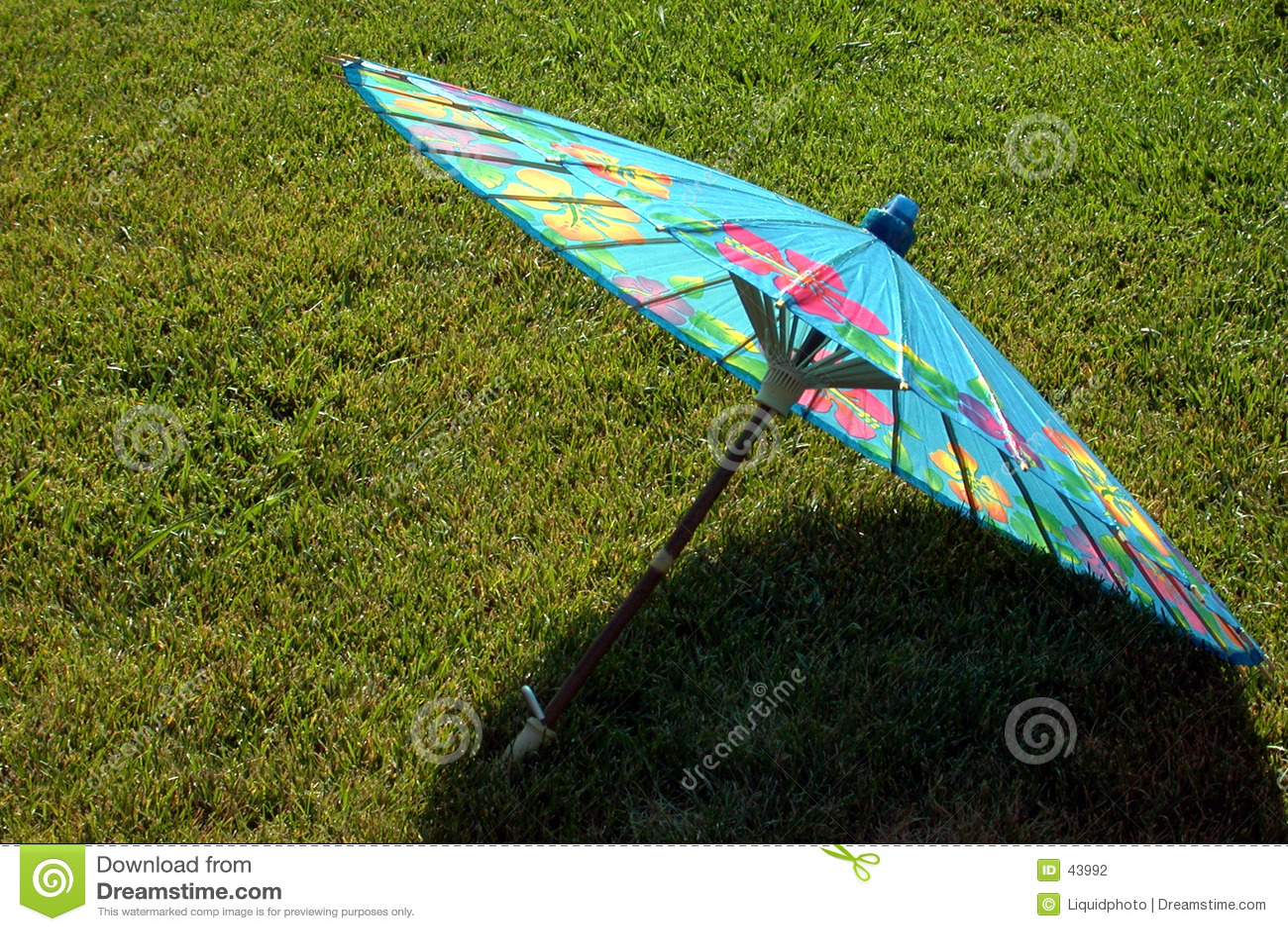 Niebieski papieru parasolkę