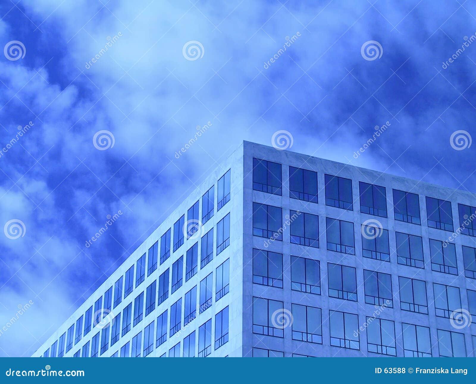 Niebieskie okno biurowe