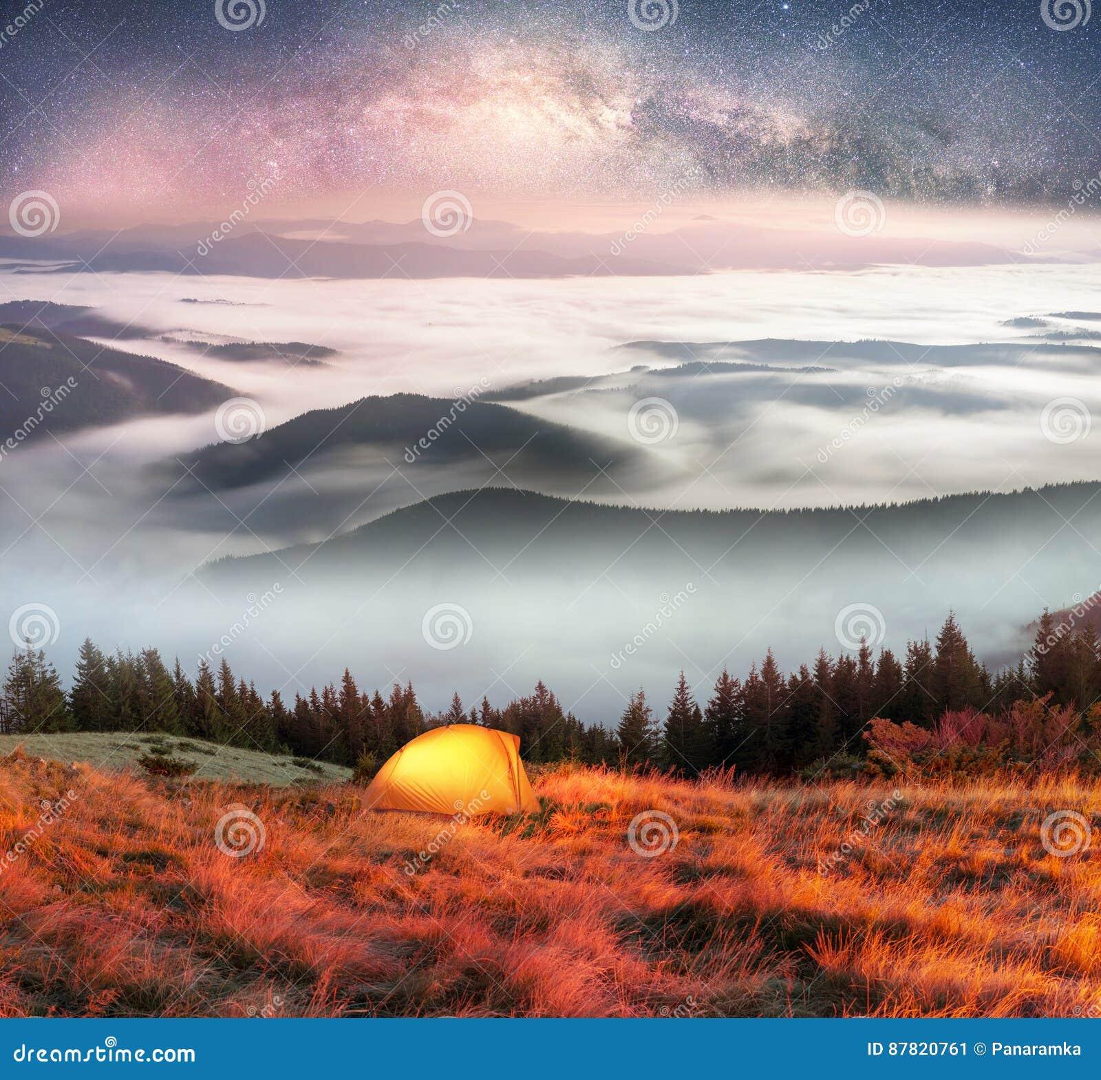 Niebla en el otoño
