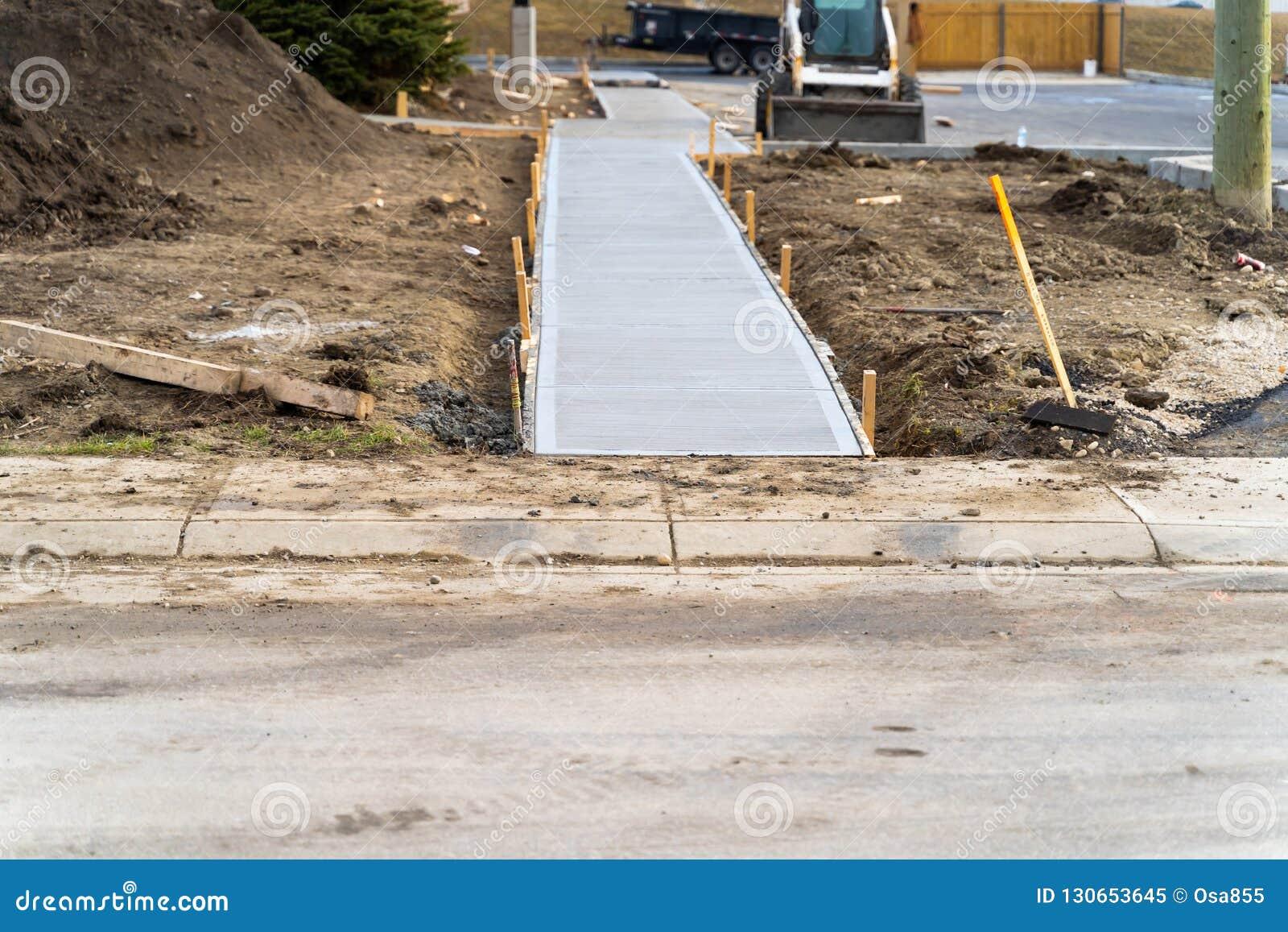 Niedawno kłaść footpath na budowie