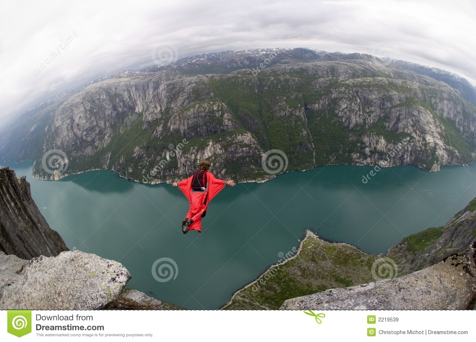 NIEDRIGES springendes Norwegen