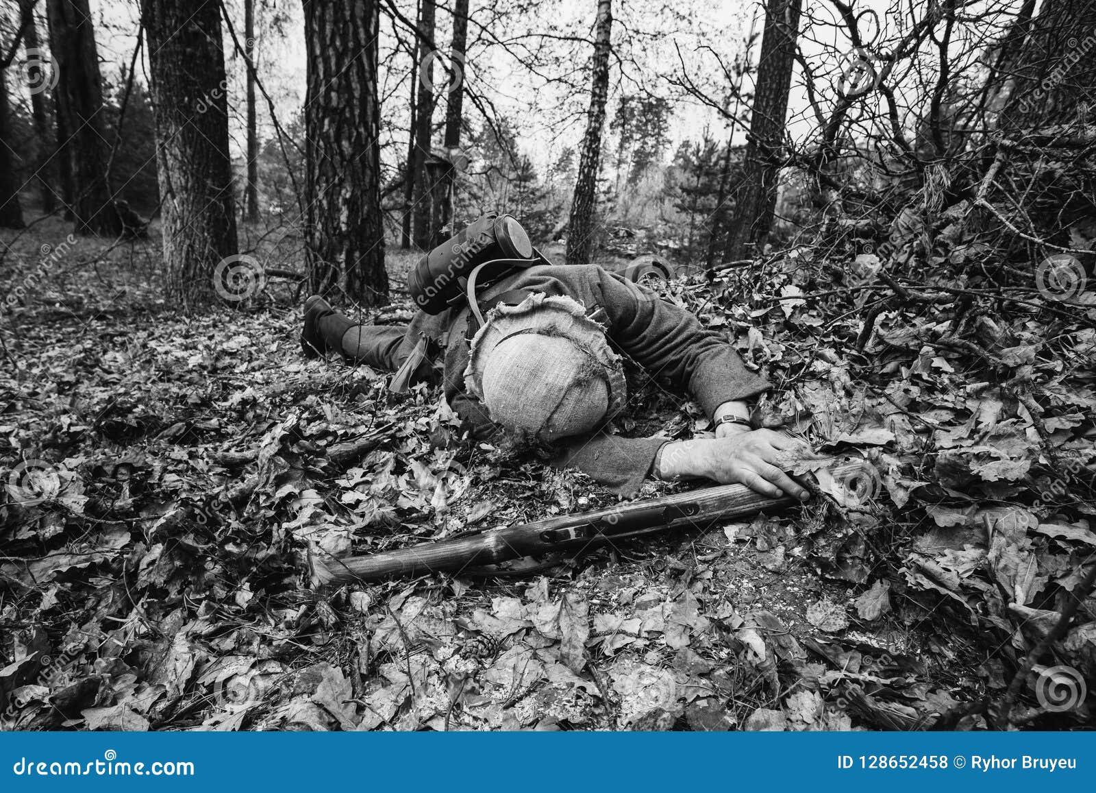 Niemiec Wehrmacht piechoty żołnierz W druga wojna światowa żołnierza lying on the beach