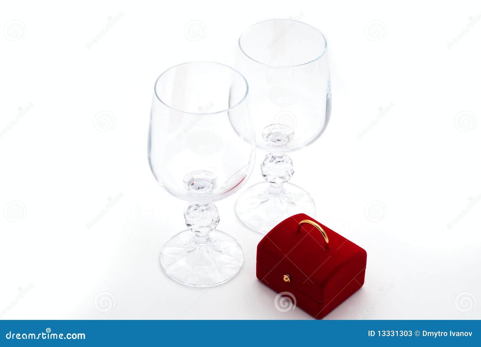 Niespodzianek wineglasses dwa