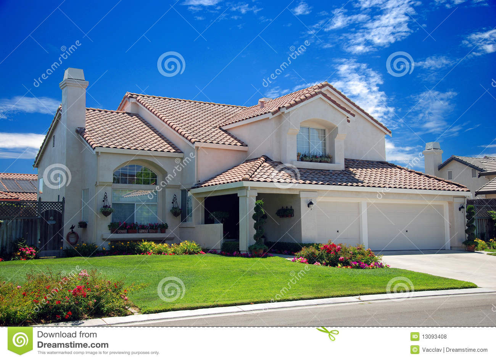 Nieuw amerikaans droomhuis stock foto afbeelding for Dream house com