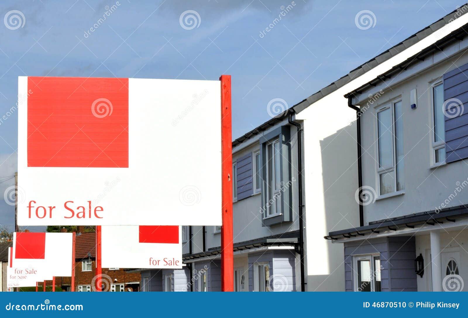 Nieuw bouw huizen voor verkoop stock foto afbeelding for Verkoop huizen