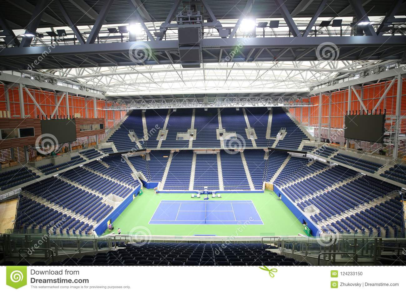 Nieuw, roofed Louis Armstrong-stadion wordt geplaatst aan debuut bij U van 2018 S Open in Billie Jean King National Tennis Center
