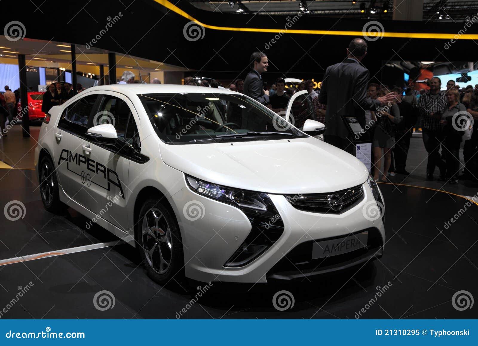 Nieuwe Elektrische Auto Opel Ampera Redactionele Afbeelding