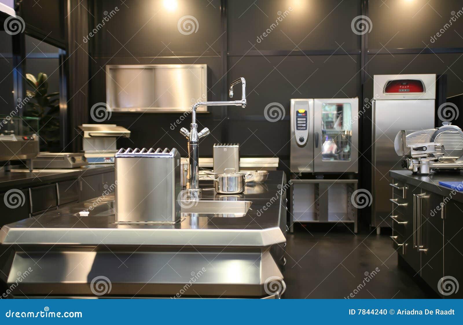 Industriele Keuken Industrial : Nieuwe industriële keuken stock foto. afbeelding bestaande uit
