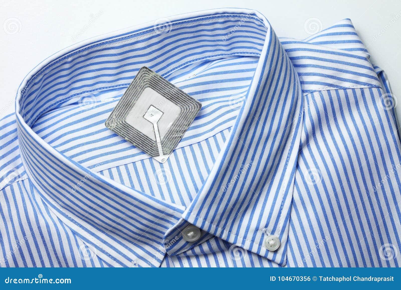 Nieuwe overhemd en rfid markering
