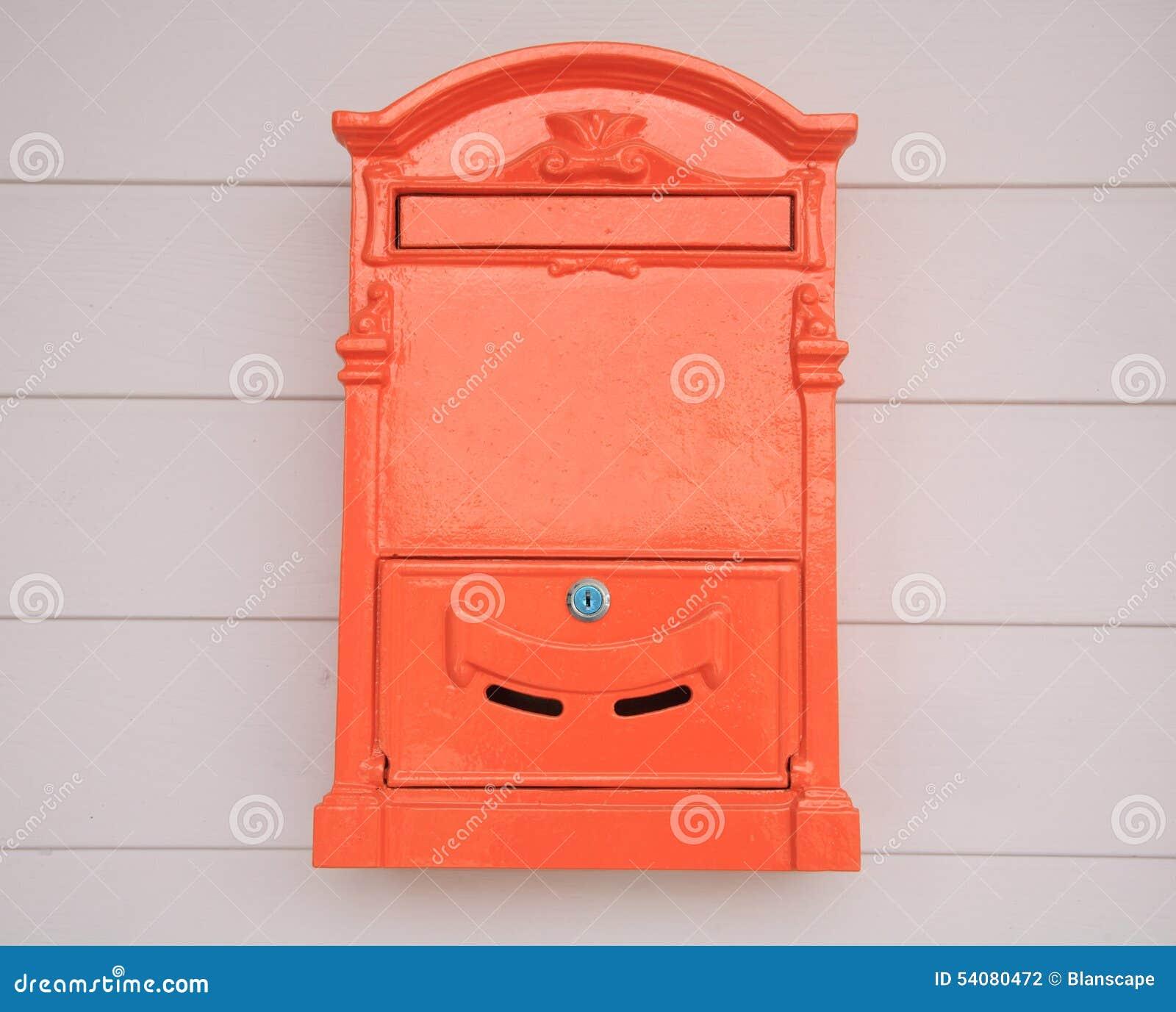 Nieuwe retro brievenbus