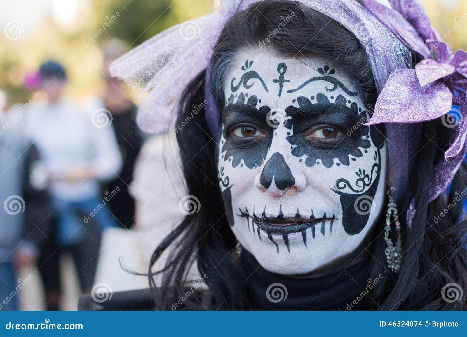 Niewiadoma kobieta przy 15th rocznym dniem Nieżywy festiwal