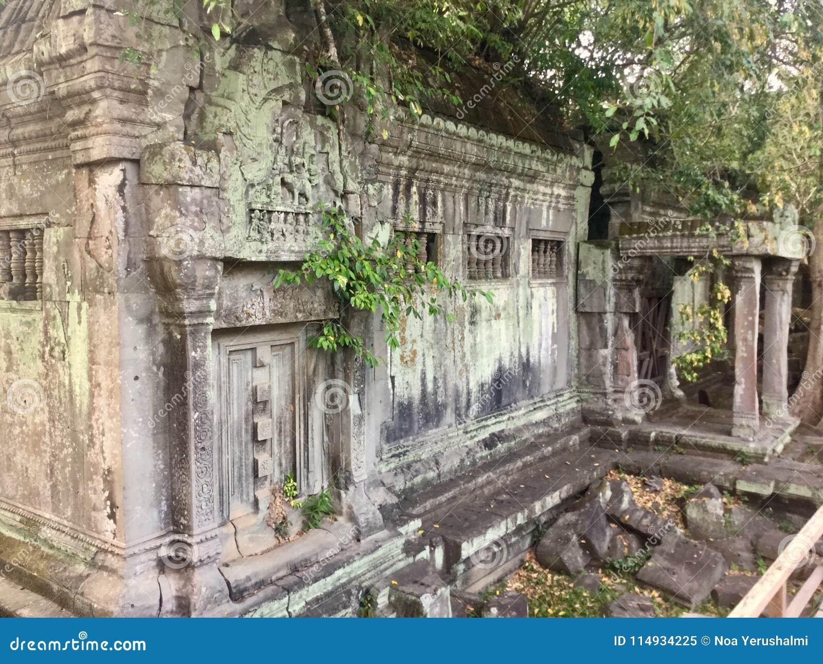 Niewidomy drzwi w Beng Mealea Angkor świątyni, Kambodża
