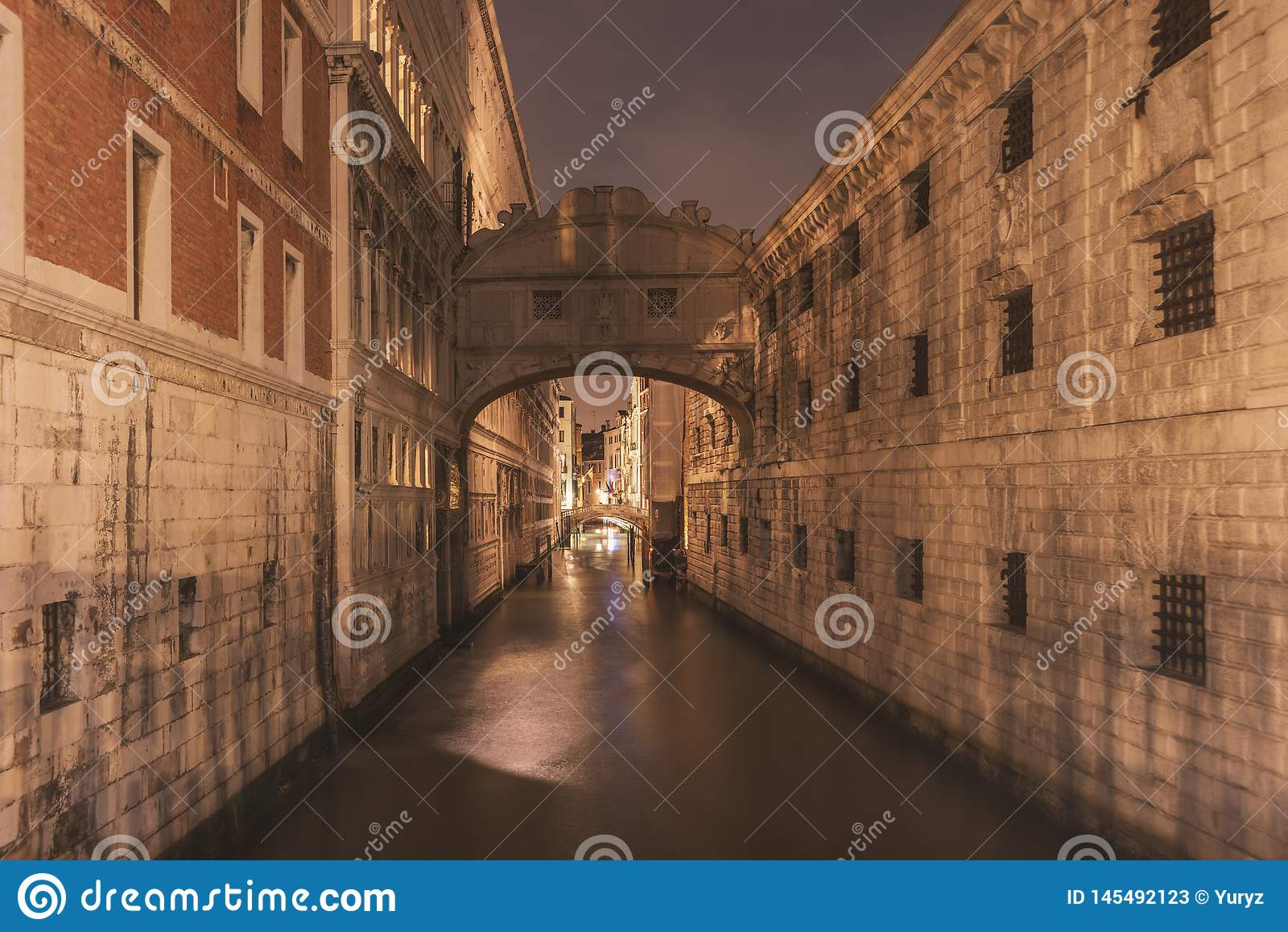 Night channel in Venice