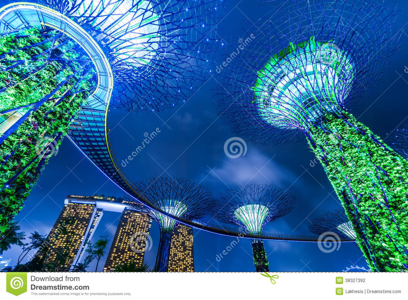 Night Light Show At Supertree Groveis In Singapore Stock Photo Image 38327392