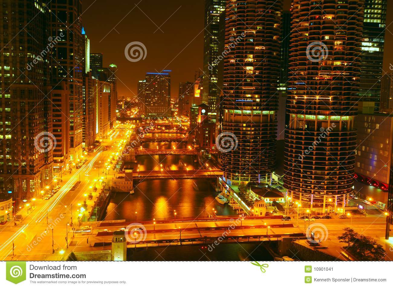Night lights on the Chicago River